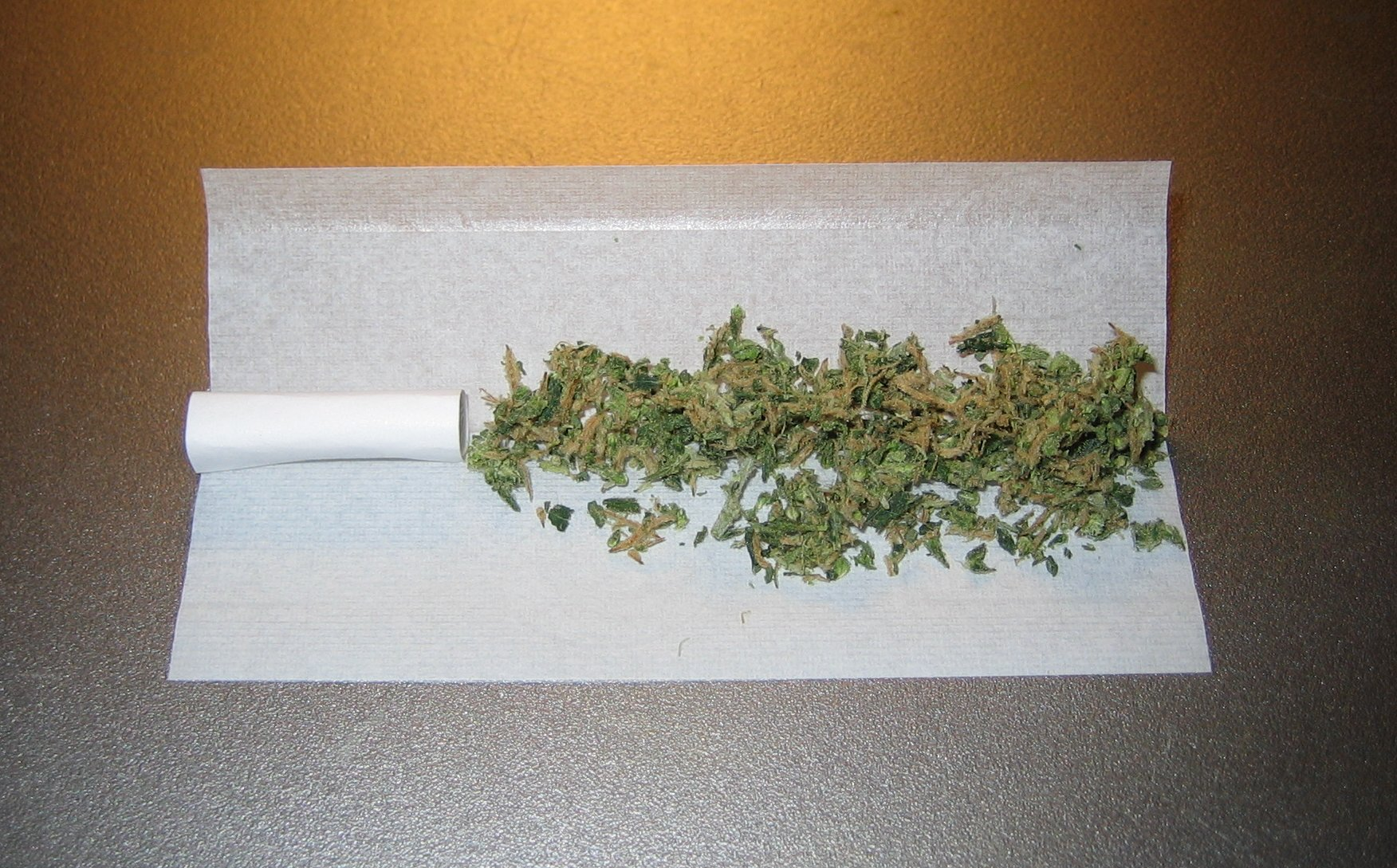 How to Roll a Joint — A 5 Step Guide to Rolling a Perfect Joint